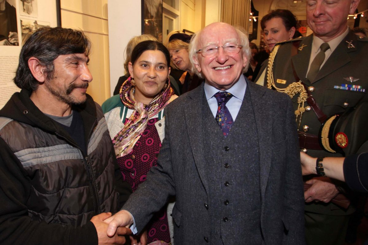 President Michael D. Higgins meeting members of the Roma community in Pavee Point ©Photo by Derek Speirs